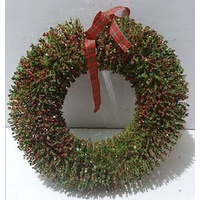 Holly Bud Wreath 40 cm