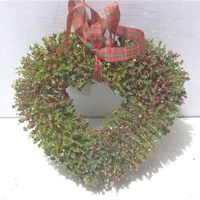 Holly Bud Heart 27 cm